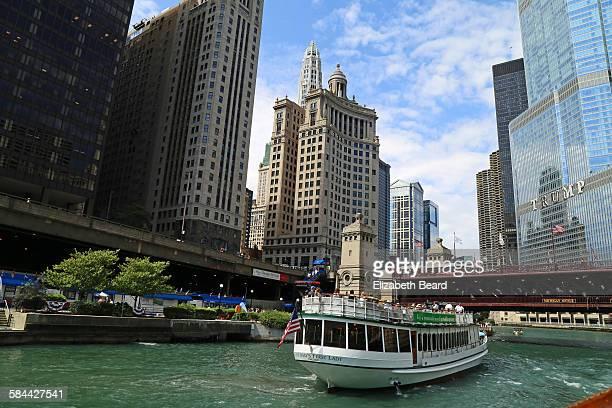 Architecture tour boat, Chicago river