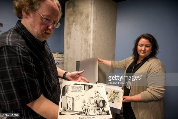 TORONTO ON NOVEMBER Archivist Brock Silversides and Christina Stewart show some newspaper cartoons of Anne Murray Anne Murray donated a one of a kind...