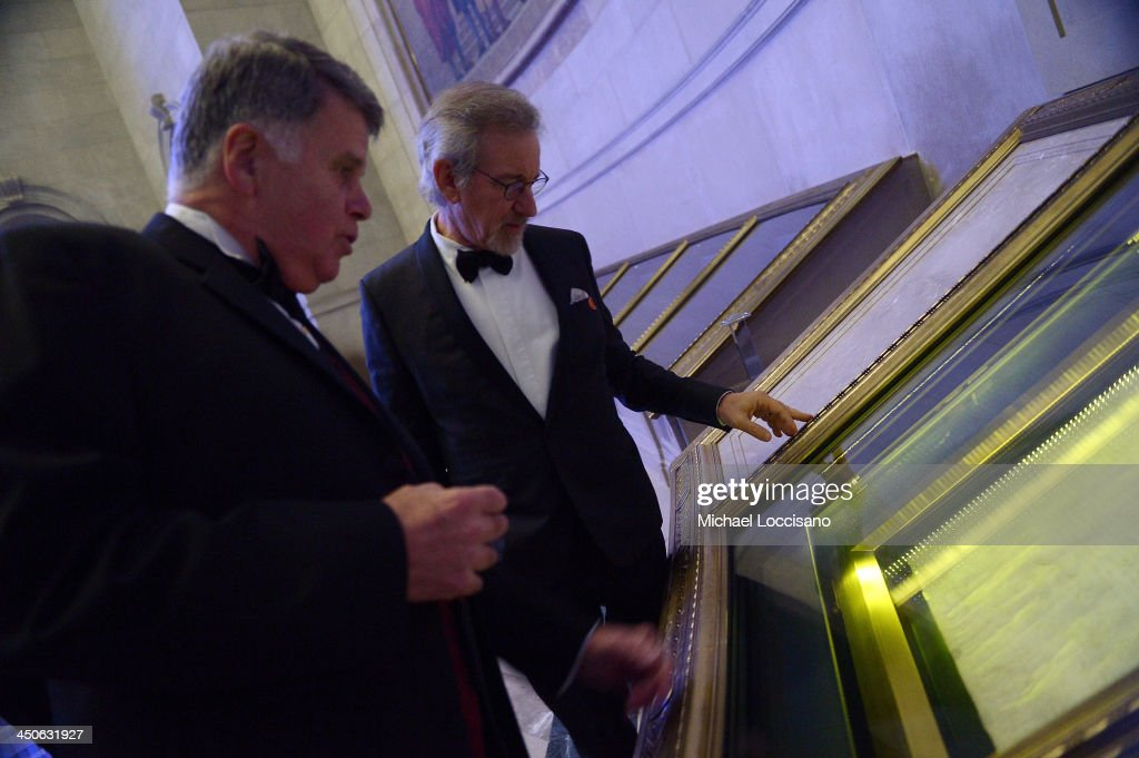 Archivist of the United States The Honorable David S. Ferriero (L) and Filmmaker and honoree <a gi-track='captionPersonalityLinkClicked' href=/galleries/search?phrase=Steven+Spielberg&family=editorial&specificpeople=202022 ng-click='$event.stopPropagation()'>Steven Spielberg</a> view the Declaration of Independence at the Foundation for the National Archives 2013 Records of Achievement award ceremony and gala in honor of <a gi-track='captionPersonalityLinkClicked' href=/galleries/search?phrase=Steven+Spielberg&family=editorial&specificpeople=202022 ng-click='$event.stopPropagation()'>Steven Spielberg</a> on November 19, 2013 in Washington, D.C.