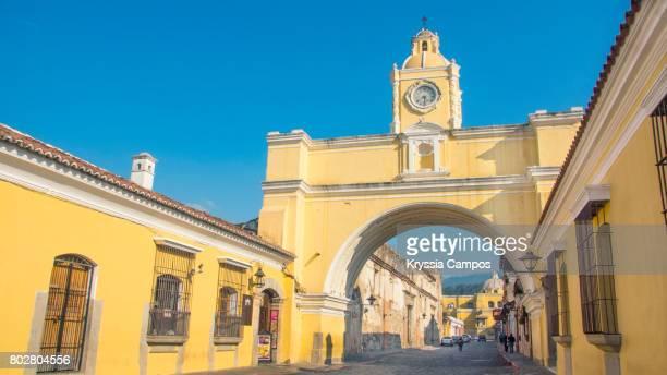 Arco de Santa Catalina (Santa Catalina Arch) in Antigua Guatemala