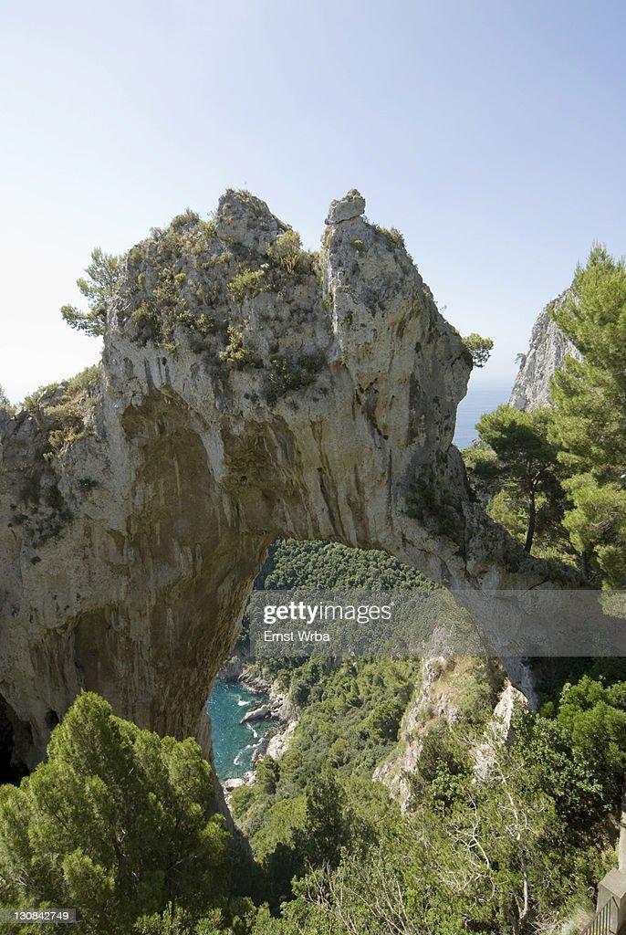 Arco Naturale rock window, Island of Capri, Campania, Italy