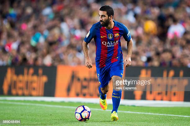 Arda Turan of FC Barcelona conducts the ball during the Joan Gamper trophy match between FC Barcelona and UC Sampdoria at Camp Nou on August 10 2016...