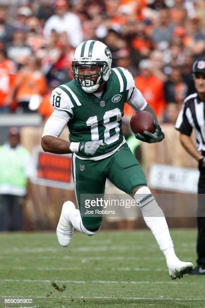 ArDarius Stewart of the New York Jets runs the ball in the second half against the Cleveland Browns at FirstEnergy Stadium on October 8 2017 in...