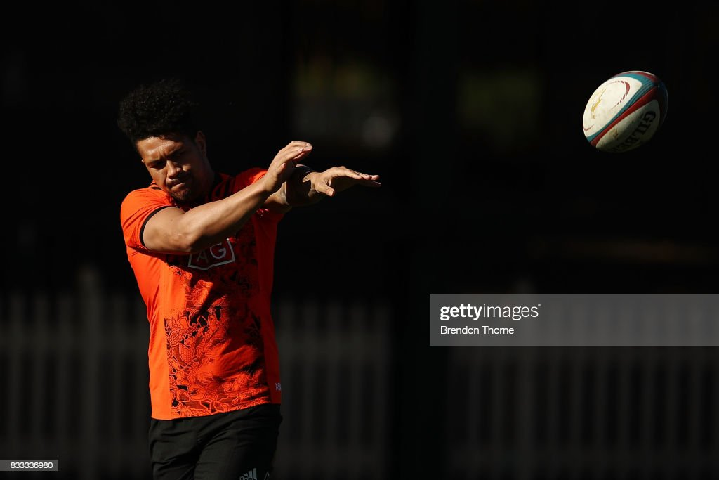 Ardie Savea of the All Blacks passes the ball during a New Zealand All Blacks training session at North Sydney Oval on August 17, 2017 in Sydney, Australia.