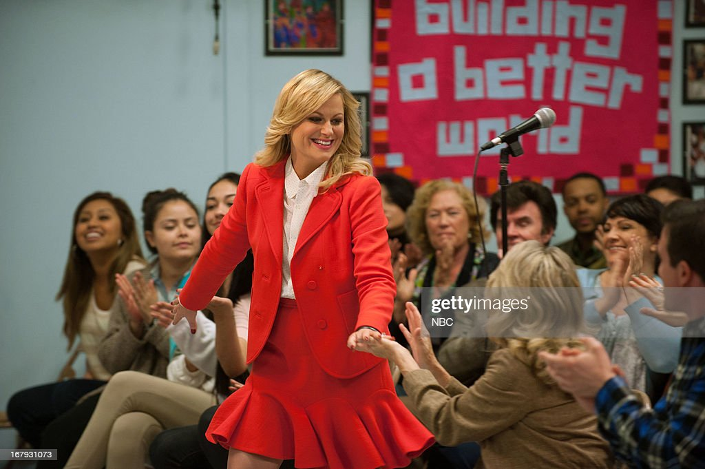 RECREATION -- 'Are You Better Off?' Episode 522 -- Pictured: <a gi-track='captionPersonalityLinkClicked' href=/galleries/search?phrase=Amy+Poehler&family=editorial&specificpeople=228430 ng-click='$event.stopPropagation()'>Amy Poehler</a> as Leslie Knope --