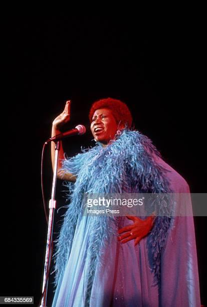 Aretha Franklin in concert circa 1985