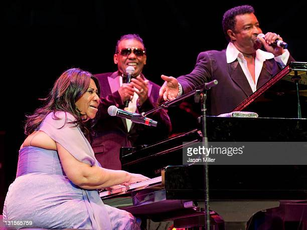 Aretha Franklin performs an encore with Ronald Isley and Dennis Edwards during the Roll Hall of Fame honoring Aretha Franklin 16th American Music...