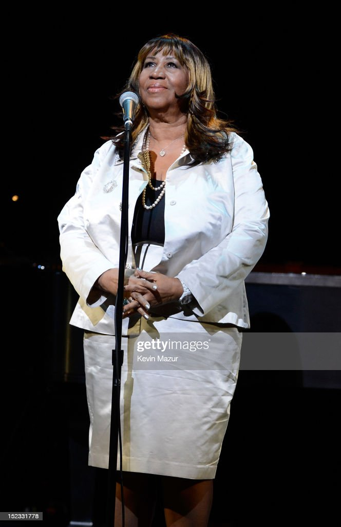 <a gi-track='captionPersonalityLinkClicked' href=/galleries/search?phrase=Aretha+Franklin&family=editorial&specificpeople=210665 ng-click='$event.stopPropagation()'>Aretha Franklin</a> performs 'Nobody Does it Better' from The Spy Who Loved Me on stage at the memorial of Marvin Hamlisch at Peter Jay Sharp Theater on September 18, 2012 in New York City.