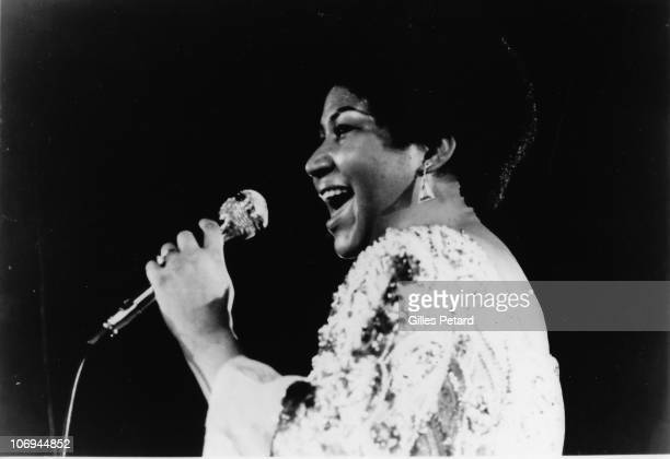 Aretha Franklin performs on stage in 1970 in the United States
