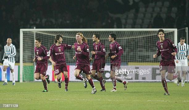 Arezzo players celebrate after the second goal scored by Daniele Martinetti during the Serie B match between Juventus and Arezzo at the Stadio Delle...