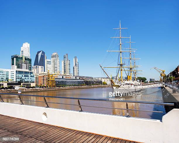 Argentina, Buenos Aires, View of harbour quarter