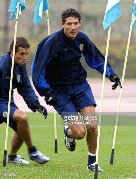 Argentina foolball club Boca Juniors captain Diego Cagna works out during the practice sesion for the Toyota Cup Europe/South America football club...