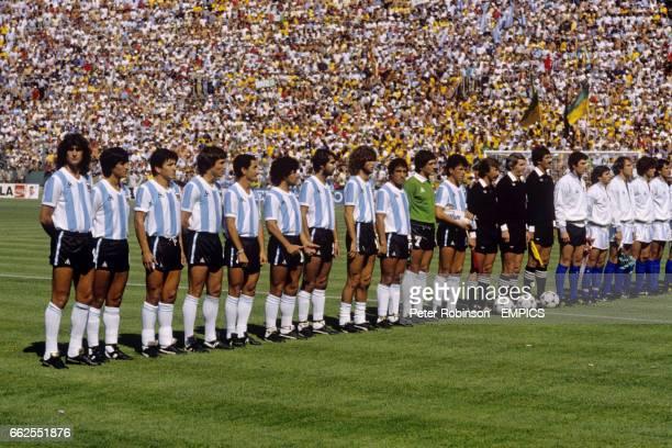 Argentina line up before the match Mario Kempes Ramon Diaz Luis Galvan Daniel Bertoni Osvaldo Ardiles Diego Maradona Jorge Olguin Alberto Tarantini...