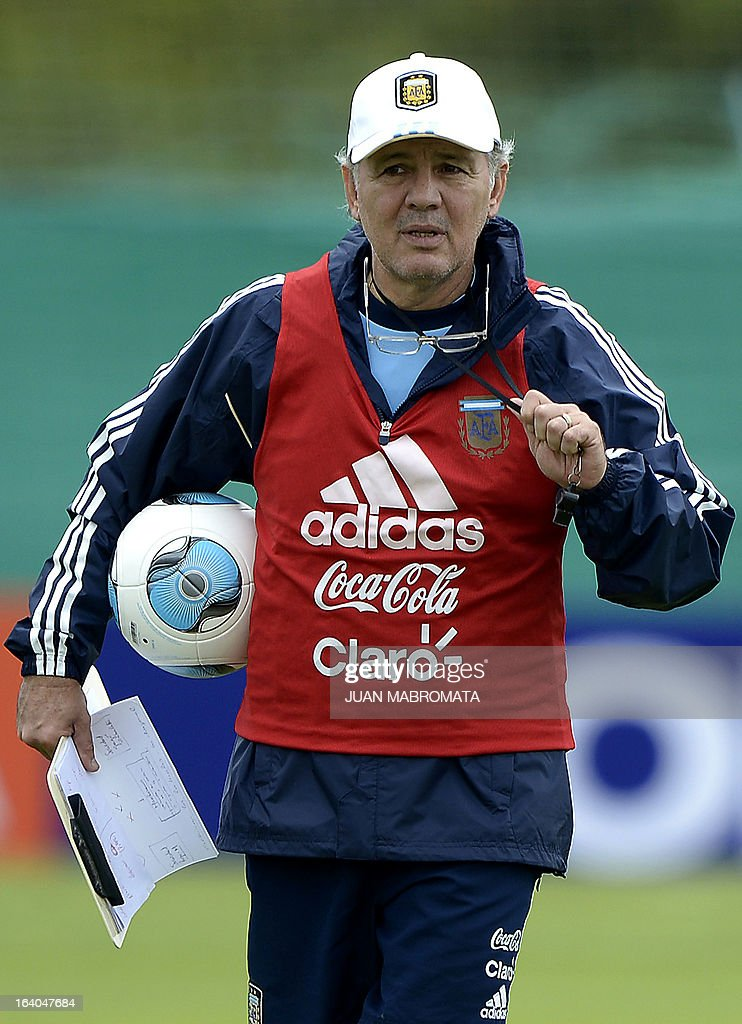 Argentina's coach Alejandro Sabella walks during a training session in Ezeiza, Buenos Aires on March 19, 2013 ahead of the Brazil 2014 FIFA World Cup South American qualifier football match against Venezuela on March 22. AFP PHOTO / Juan Mabromata