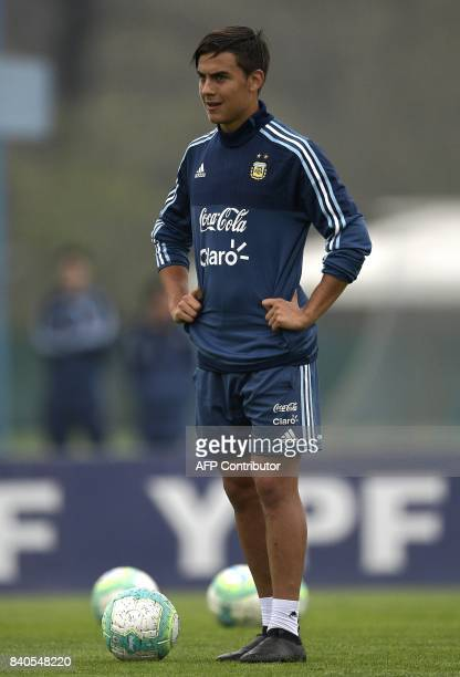 Argentina's forward Paulo Dybala attends a training session in Ezeiza Buenos Aires on August 29 2017 ahead of the FIFA World Cup qualifier football...