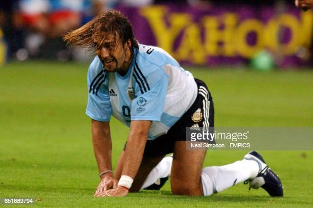 Argentina's Gabriel Batistuta lets out his anger during the defeat by England