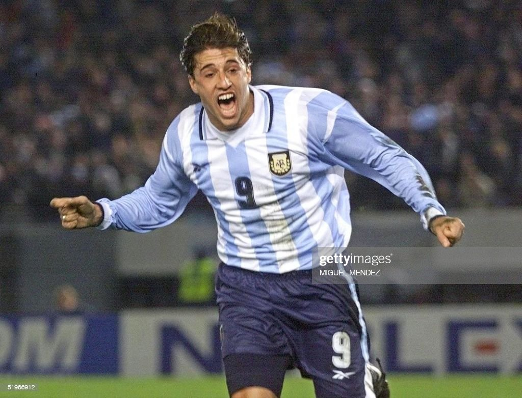 Argentina s Hernan Crespo celebrates his first goa