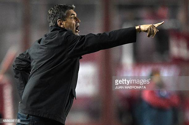 Argentina's Independiente's coach Mauricio Pellegrino gives instructions during the Copa Sudamericana 2015 second stage second leg football match...