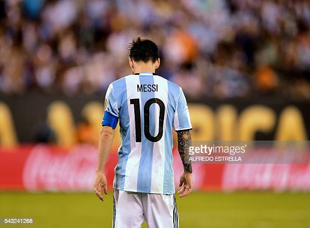 TOPSHOT Argentina's Lionel Messi reacts during the Copa America Centenario final in East Rutherford New Jersey United States on June 26 2016 / AFP /...
