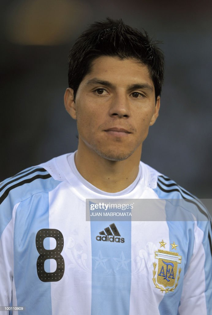 Argentina's midfielder Enzo Perez looks on before the start of the FIFA World Cup South Africa-2010 qualifier football match against Peru at the Monumental stadium in Buenos Aires, Argentina on October 10, 2009. Argentina won 2-1. AFP PHOTO / Juan Mabromata
