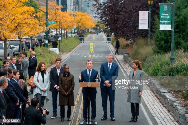 Argentinas Presidnet Mauricio Macri speaks as Frist Lady Juliana Awada New York City Mayor Bill de Blasio and his wife Chirlane McCray listen during...