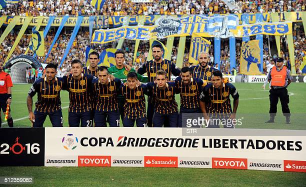 Argentina's Rosario Central team poses for a picture during a Copa Libertadores 2016 football match against Uruguay's Nacional at the Gigante de...