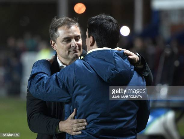 Argentina's San Lorenzo coach Diego Aguirre and Brazil's Flamengo coach Ze Ricardo greet each other during the Copa Libertadores 2017 group 4...
