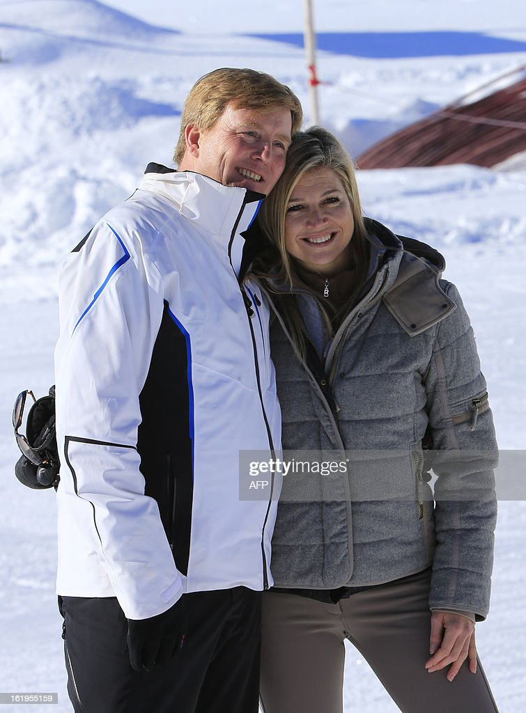 Argentine born Dutch Princess Maxima (R) poses with her husband crown prince Willem-Alexander (L) of the Netherlands during a photocall session as part of the Royal Dutch Family's winter holidays in Lech am Arlberg, western Austria, on February 18, 2013. AFP PHOTO / ALEXANDER KLEIN