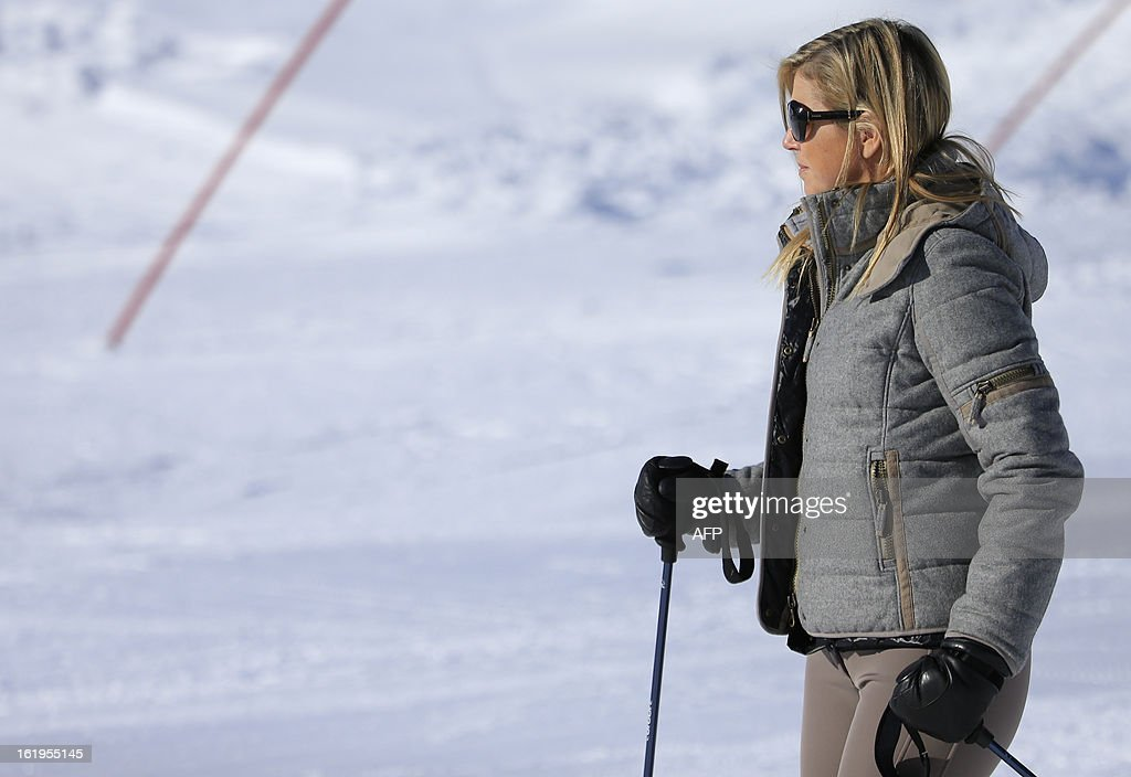Argentine born Dutch Princess Maxima skis with her family during a photocall session as part of the Royal Dutch Family's winter holidays in Lech am Arlberg, western Austria, on February 18, 2013.