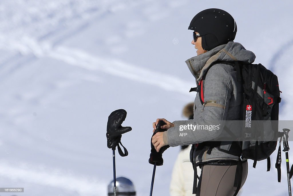 Argentine born Dutch Princess Maxima wears a ski helmet and an avalanche airbag backpack device as she prepares for a ski ride, after a photocall session as part of the Royal Dutch Family's winter holidays in Lech am Arlberg, western Austria, on February 18, 2013. AFP PHOTO / ALEXANDER KLEIN