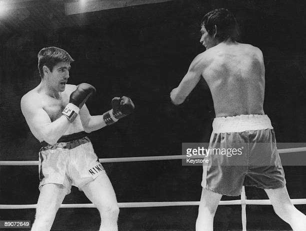 Argentine boxer Carlos Monzon defends his World Middleweight title against Nino Benvenuti of Italy Monte Carlo Monaco 8th May 1971 Monzon won by a...