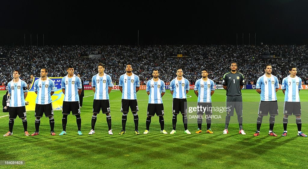 Hilo de la selección de Argentina Argentine-players-lionel-messi-pablo-zabaleta-marcos-rojo-federico-picture-id154031628