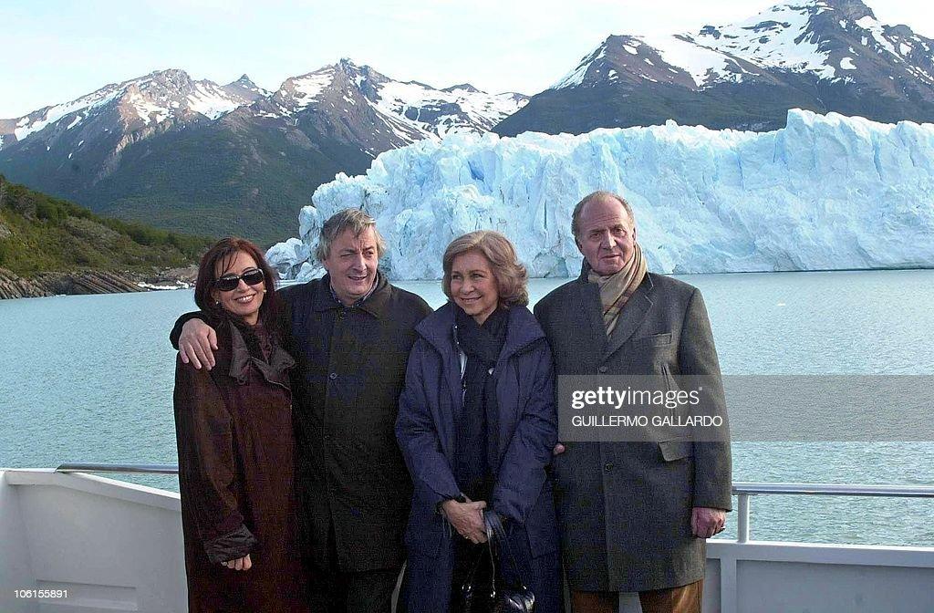 argentine-president-nestor-kirchner-his-wife-cristina-fernandez-de-picture-id106155891
