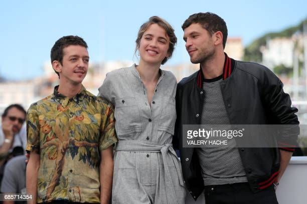 Argentinian actor Nahuel Perez Biscayart French actress Adele Haenel and French actor Arnaud Valois pose on May 20 2017 during a photocall for the...