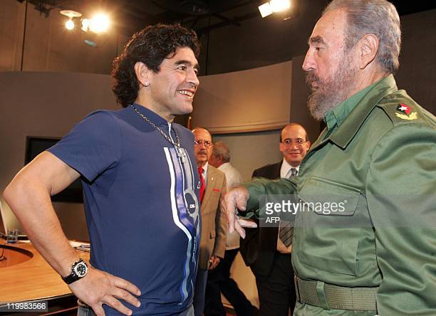 Argentinian ex soccer star Diego Armando Maradona speaks with Cuban President Fidel Castro before recording Maradona's TV program 'The 10's Night' in...