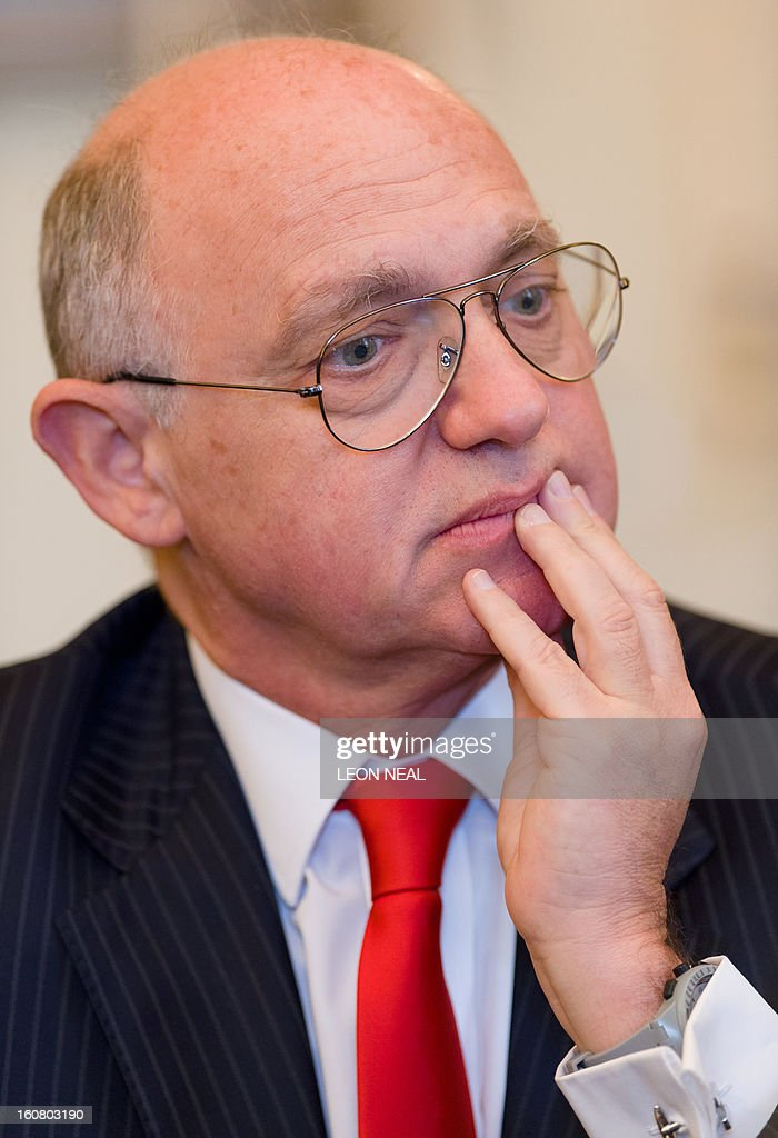Argentinian Foreign Minister Hector Timerman addresses a press conference in central London on February 6, 2013. Argentina expects to have control of the British-held Falkland Islands within 20 years, the country's foreign minister said in comments published on Tuesday.
