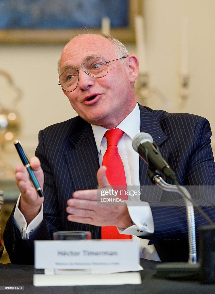 Argentinian Foreign Minister Hector Timerman addresses a press conference in central London, on February 6, 2013. Argentina expects to have control of the British-held Falkland Islands within 20 years, the country's foreign minister said in comments published on Tuesday.