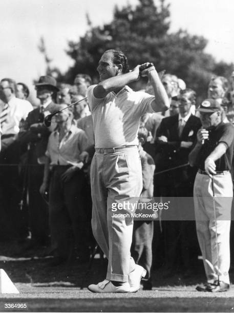 Argentinian golfer Roberto DeVicenzo playing for the Canada Cup Original Publication Picture Post 8630 Golf Canada Cup unpub