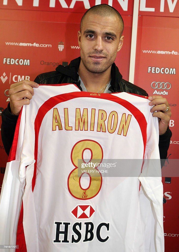 Argentinian midfielder of Italian football club Juventus, Sergio Almiron, poses with his new jersey during a press conference, 24 January 2008 at the training center of the French L1 AS Monaco football club in La Turbie. Sergio Almiron, 27, 'will play for Monaco until the end of the season with the possibility to be transfered for more than 7 millions euros', according to the Monaco's club director Marc Keller.