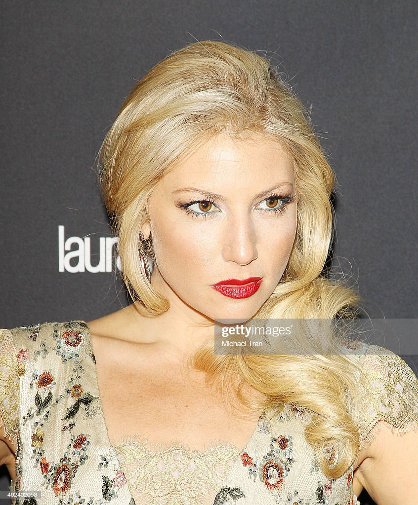 ari graynor moviesari graynor instagram, ari graynor eddie kaye thomas, ari graynor, ari graynor tumblr, ari graynor imdb, ari graynor boyfriend, ari graynor net worth, ari graynor movies, ari graynor bad teacher, ari graynor fringe, ari graynor nudography, ari graynor measurements