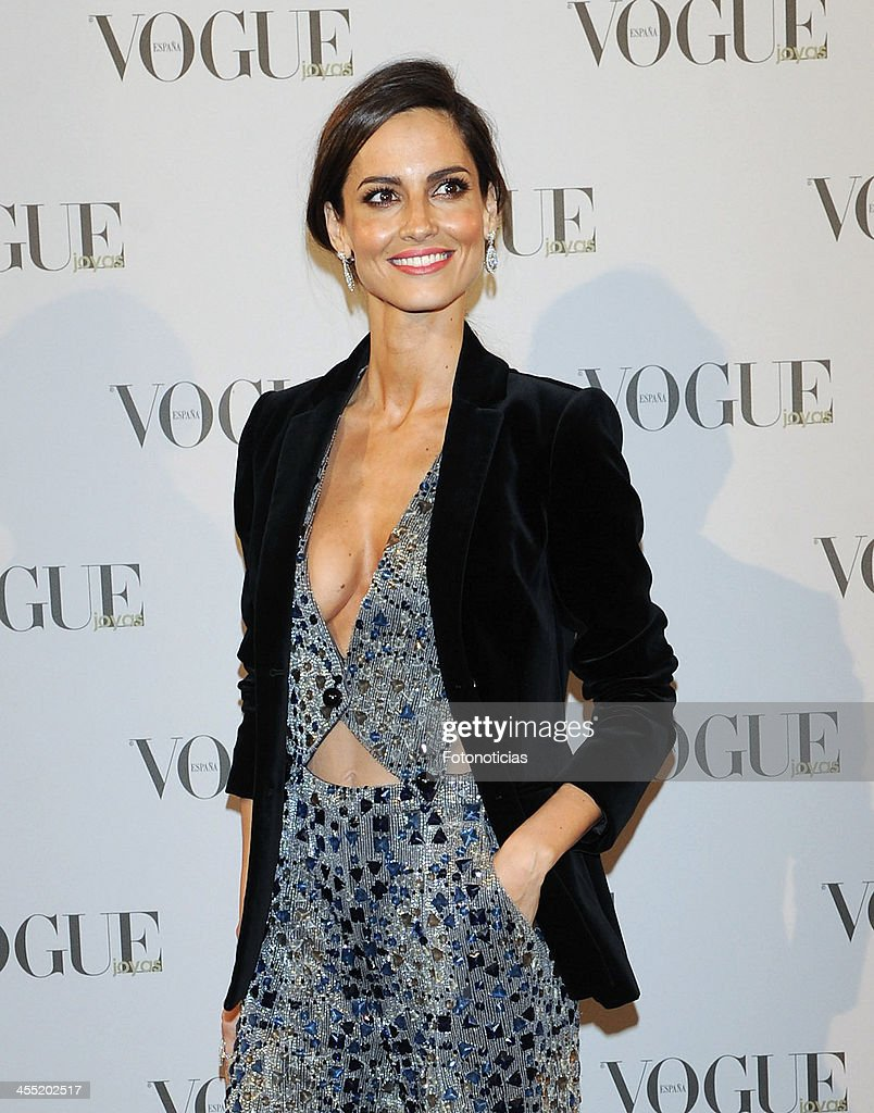 <a gi-track='captionPersonalityLinkClicked' href=/galleries/search?phrase=Ariadne+Artiles&family=editorial&specificpeople=714754 ng-click='$event.stopPropagation()'>Ariadne Artiles</a> attends Vogue Joyas 2013 Awards at the Palacio de la Bolsa on December 11, 2013 in Madrid, Spain.