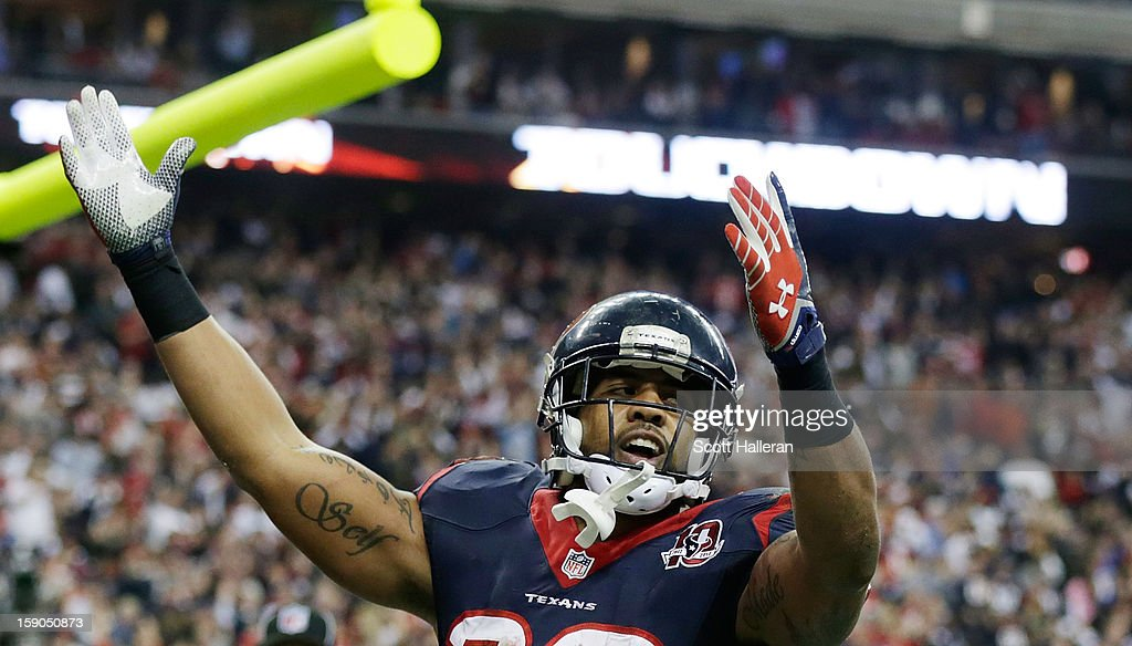 Arian Foster #23 of the Houston Texans celebrates a touchdown during the game against the Cincinnati Bengals during their AFC Wild Card Playoff Game at Reliant Stadium on January 5, 2013 in Houston, Texas.