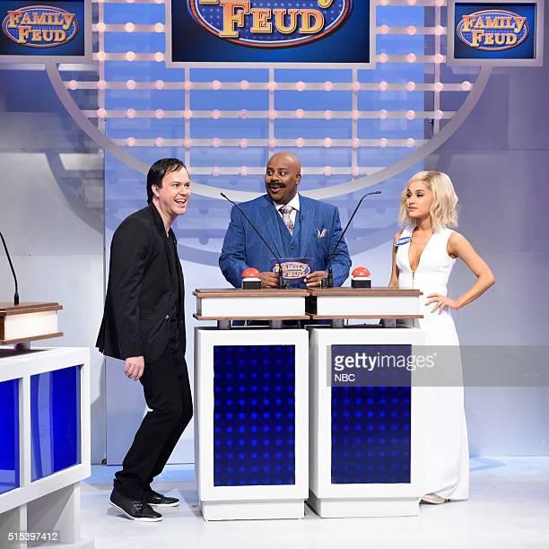 LIVE 'Ariana Grande' Episode 1698 Pictured Taran Killam as Quentin Tarantino Kenan Thompson as Steve Harvey and Ariana Grande as Jennifer Lawrence...