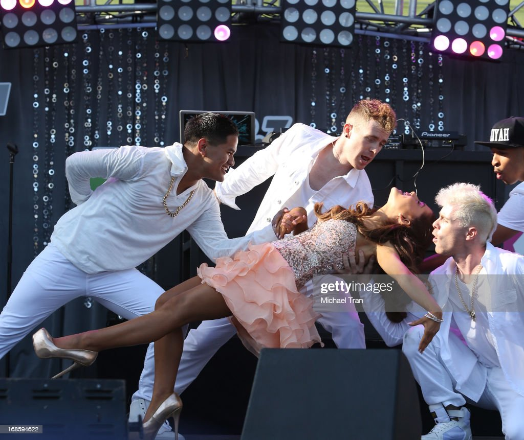 <a gi-track='captionPersonalityLinkClicked' href=/galleries/search?phrase=Ariana+Grande&family=editorial&specificpeople=5586219 ng-click='$event.stopPropagation()'>Ariana Grande</a> performs onstage during the 2013 KIIS FM's Wango Tango held at The Home Depot Center on May 11, 2013 in Carson, California.
