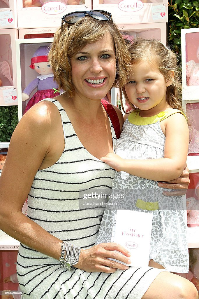 <a gi-track='captionPersonalityLinkClicked' href=/galleries/search?phrase=Arianne+Zucker&family=editorial&specificpeople=2115698 ng-click='$event.stopPropagation()'>Arianne Zucker</a> and Isabella Lowder attend the Corolle Adopt a Doll Event at The Grove on May 18, 2013 in Los Angeles, California.