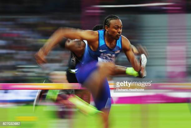 Aries Merritt of the United States competes in the Men's 110 metres hurdles semi final during day three of the 16th IAAF World Athletics...