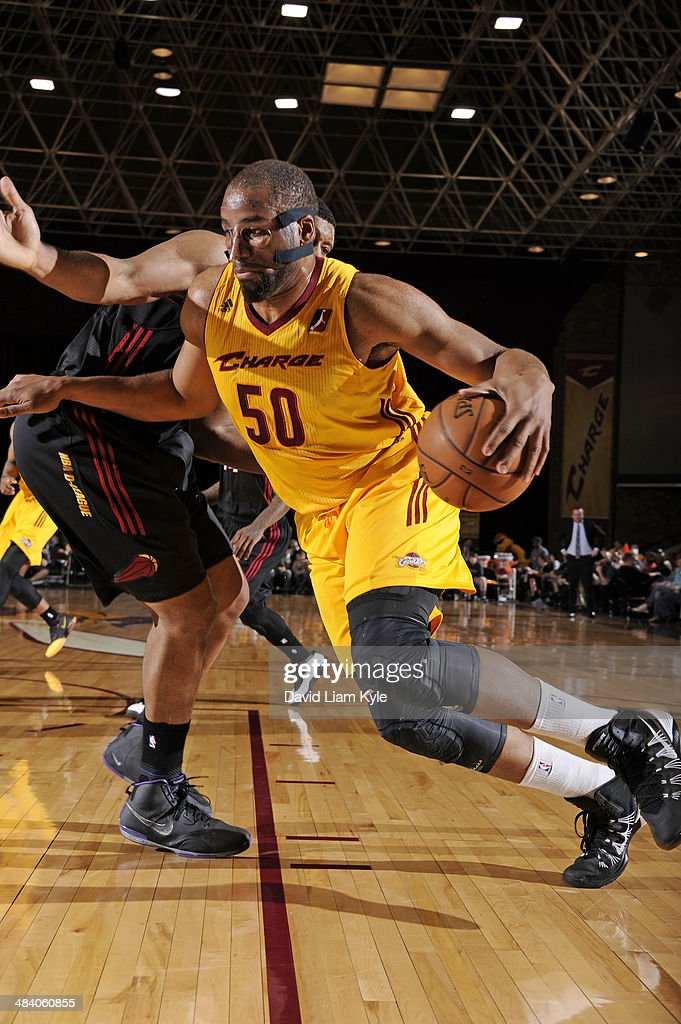 Arinze Onuaku of the Canton Charge drives to the hoop against the Sioux Falls Skyforce at the Canton Memorial Civic Center on April 10 2014 in Canton...