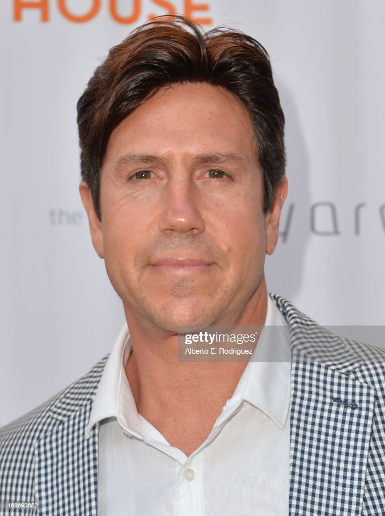 Aritist Nelson De La Nuez arrives to The Geffen Playhouse's Annual 'Backstage at the Geffen' Gala at Geffen Playhouse on May 13, 2013 in Los Angeles, California.