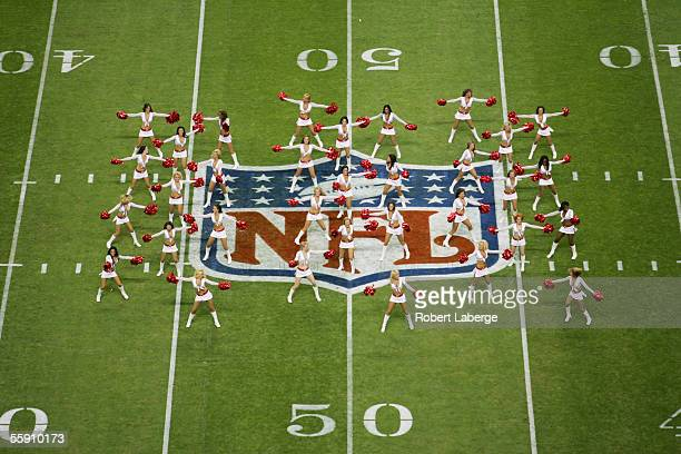 Arizona Cardinals cheerleaders perform during the game against the San Francisco 49ers at Estadio Azteca on October 2 2005 in Mexico City Mexico The...
