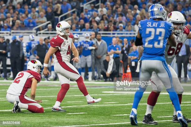 Arizona Cardinals kicker Phil Dawson kicks a field goal during first quarter game action between the Arizona Cardinals and the Detroit Lions on...